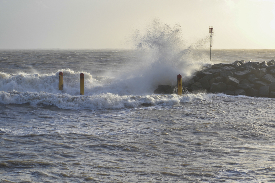 Coastline to get 'battered' as Met Office issues severe weather warning