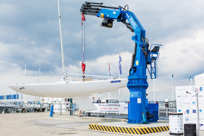 NEW HYDRAULIC MARINE CRANE COMMISSIONED
