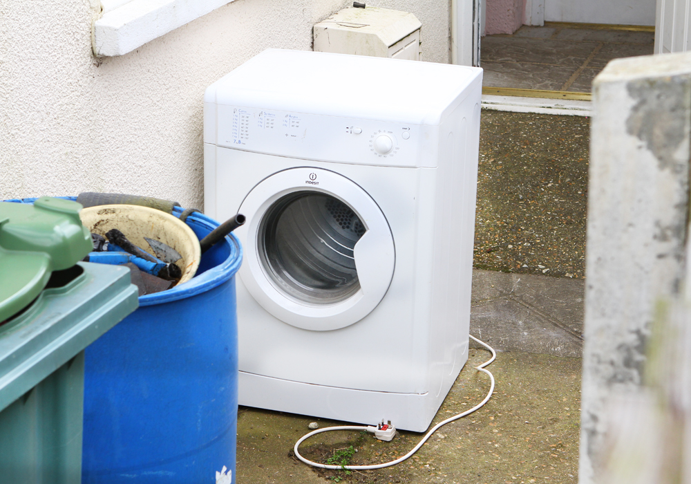 Creda Tumble Dryer Recall >> Thousands Of Hotpoint Indesit And Creda Tumble Dryers To Be
