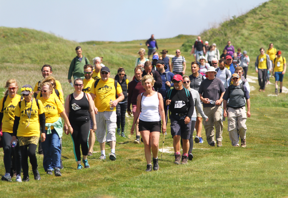 Sun Shines Down On 8 000 Walkers During Walk The Wight