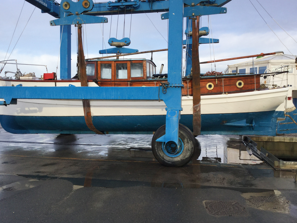HISTORIC BOAT RESTORED ON THE ISLE OF WIGHT SET FOR AUCTION