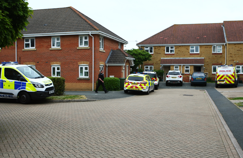 POLICE CARRY OUT DRUGS RAIDS ON 2 ADDRESSES IN RYDE - Island Echo