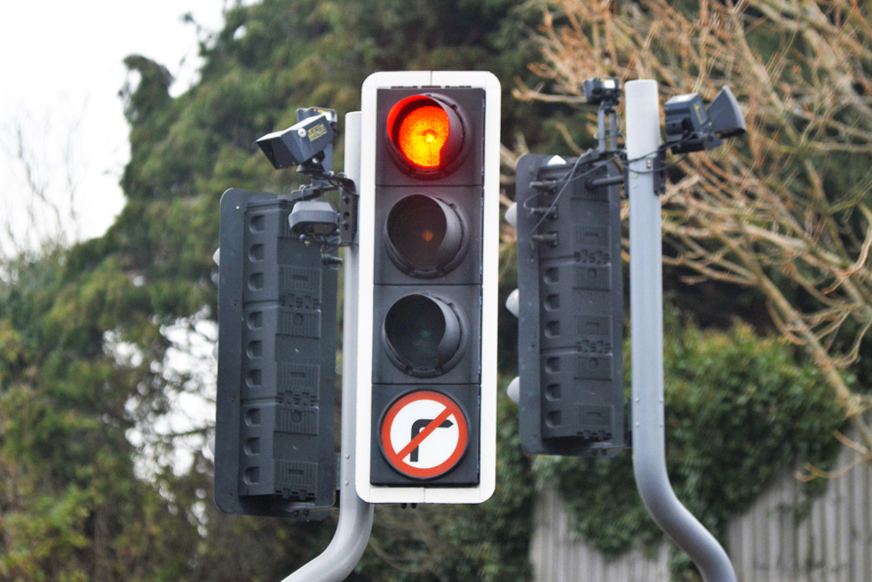 SIGNIFICANT TRAVEL DELAYS DUE TO TRAFFIC LIGHTS FAILURE