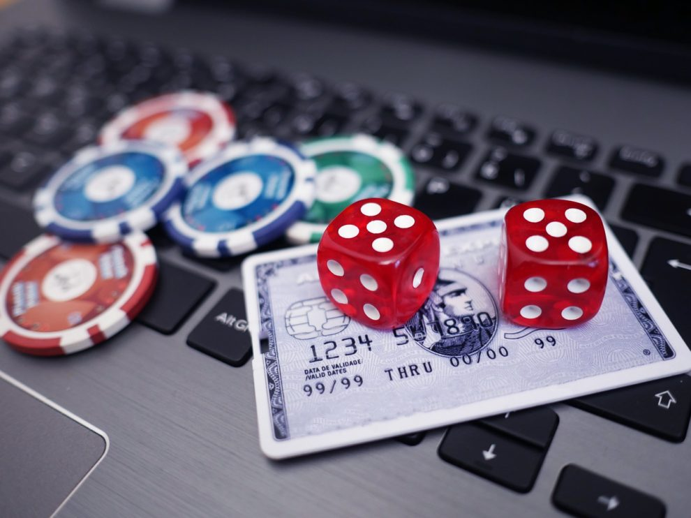 Welcome and Reload Bonus at Online Casinos