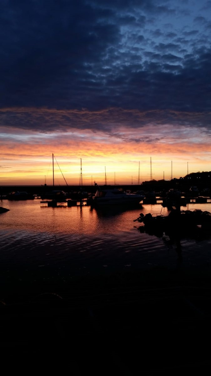 Early Morning In Ryde Harbour (vanessa)