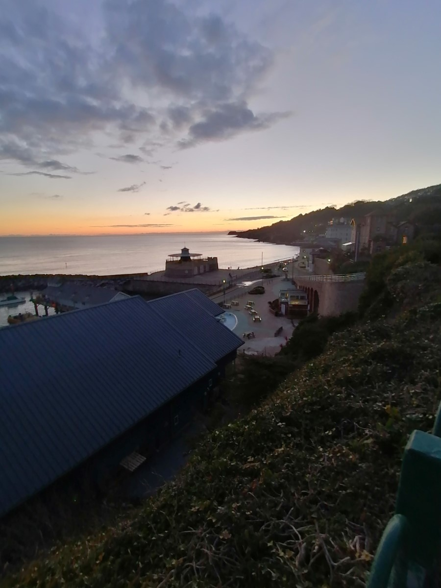 Sundown In The Bay In Ventnor (fran Hayter) 2