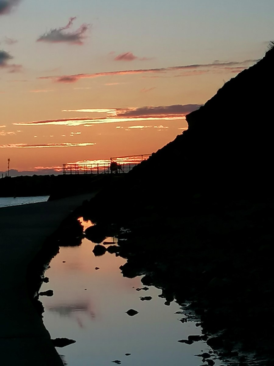 Sundown In The Bay In Ventnor (fran Hayter)